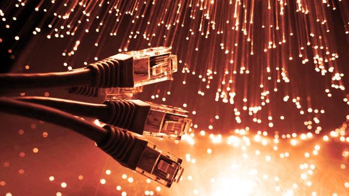 Un serveur qui s'ouvre, c'est de la fibre et du cable.